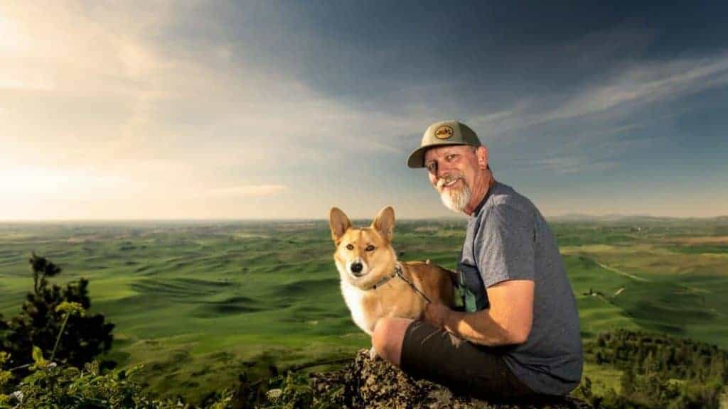 man and his dog at Steptoe Butte on the Palouse